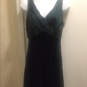 Beautiful dark green dress💥Anne Klein. Size 8